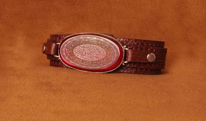 دستبندهای چرم اصل با قاب نقره