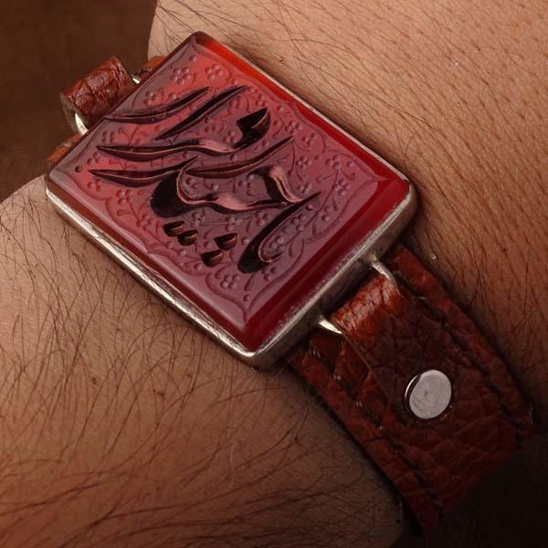 دستبند چرم عقیق قرمز خطی
