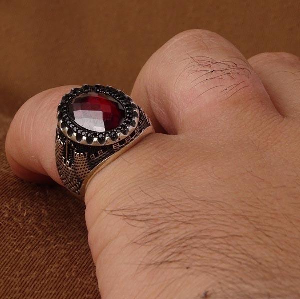انگشتر اسپرت قرمز