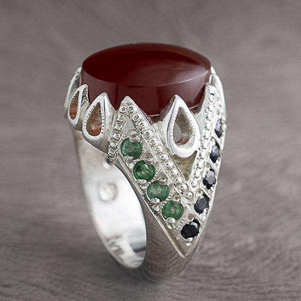 انگشتر مردانه عقیق قرمز یمانی دستساز مخراج زمرد