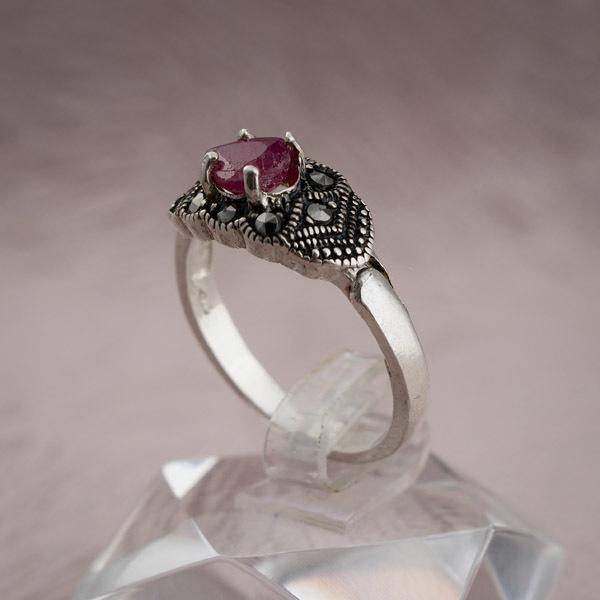 انگشتر زنانه یاقوت قرمز معدنی